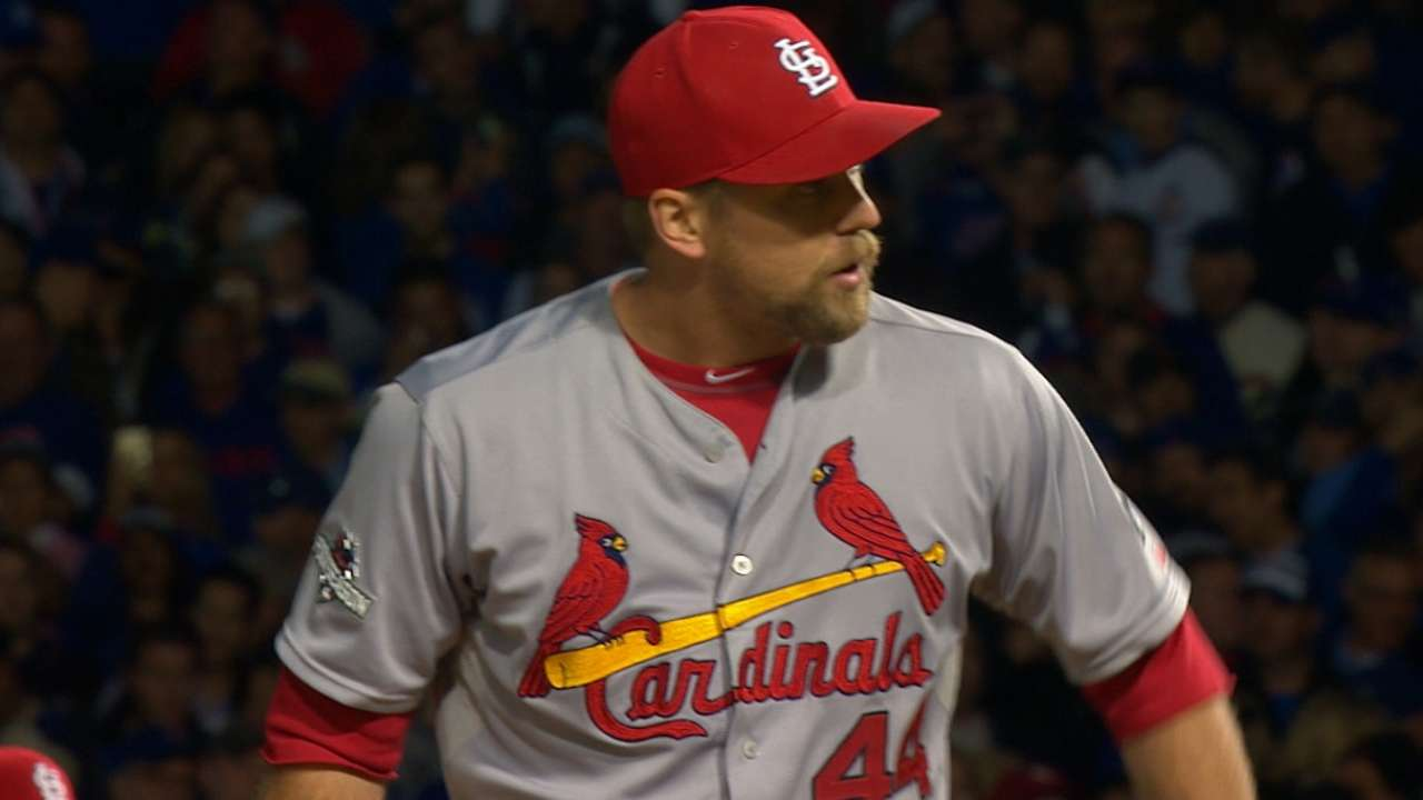 Cardinals' pitching staff runs out of gas late