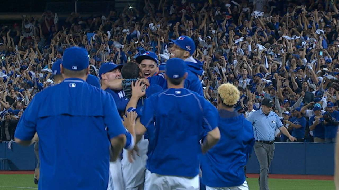 Stats of the Day: Blue Jays soar back from 0-2