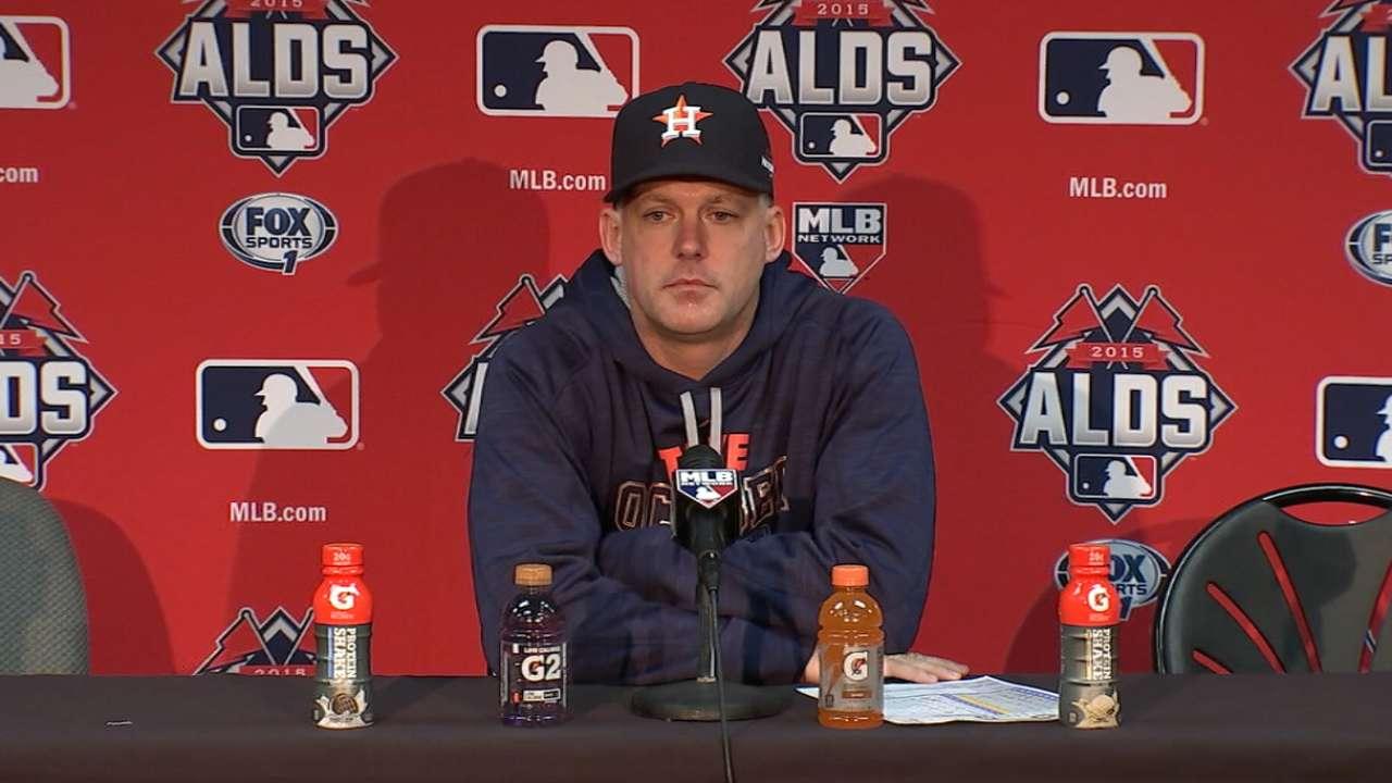 Astros tip cap to 'class organization' Royals