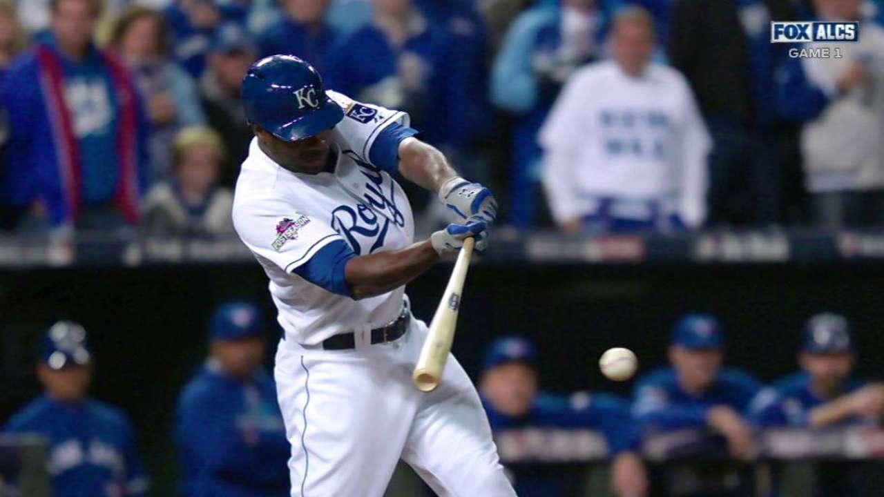 Cain's RBI single extends postseason hitting streak