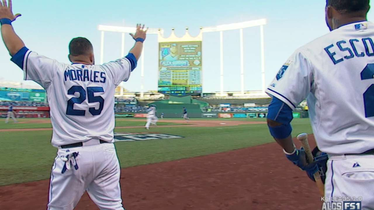 Royals rally for five in the 7th