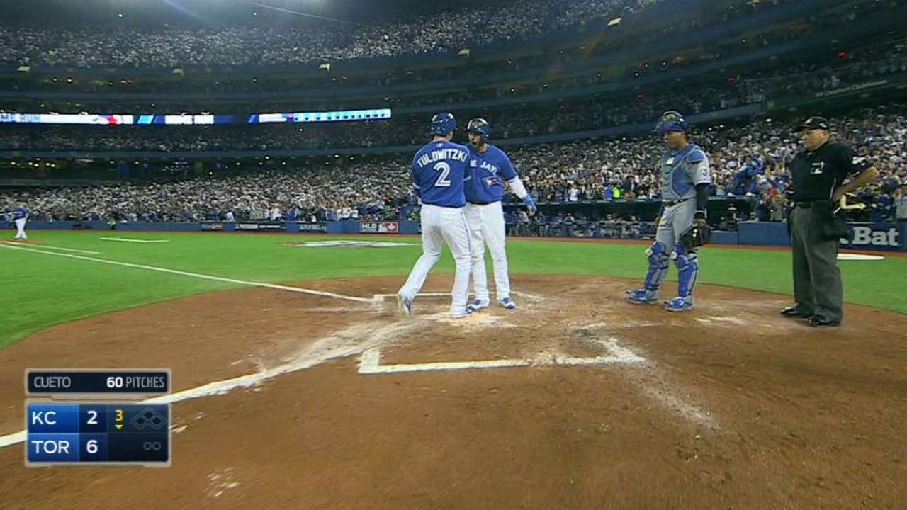 Tulo homers in Game 3, later gets tossed