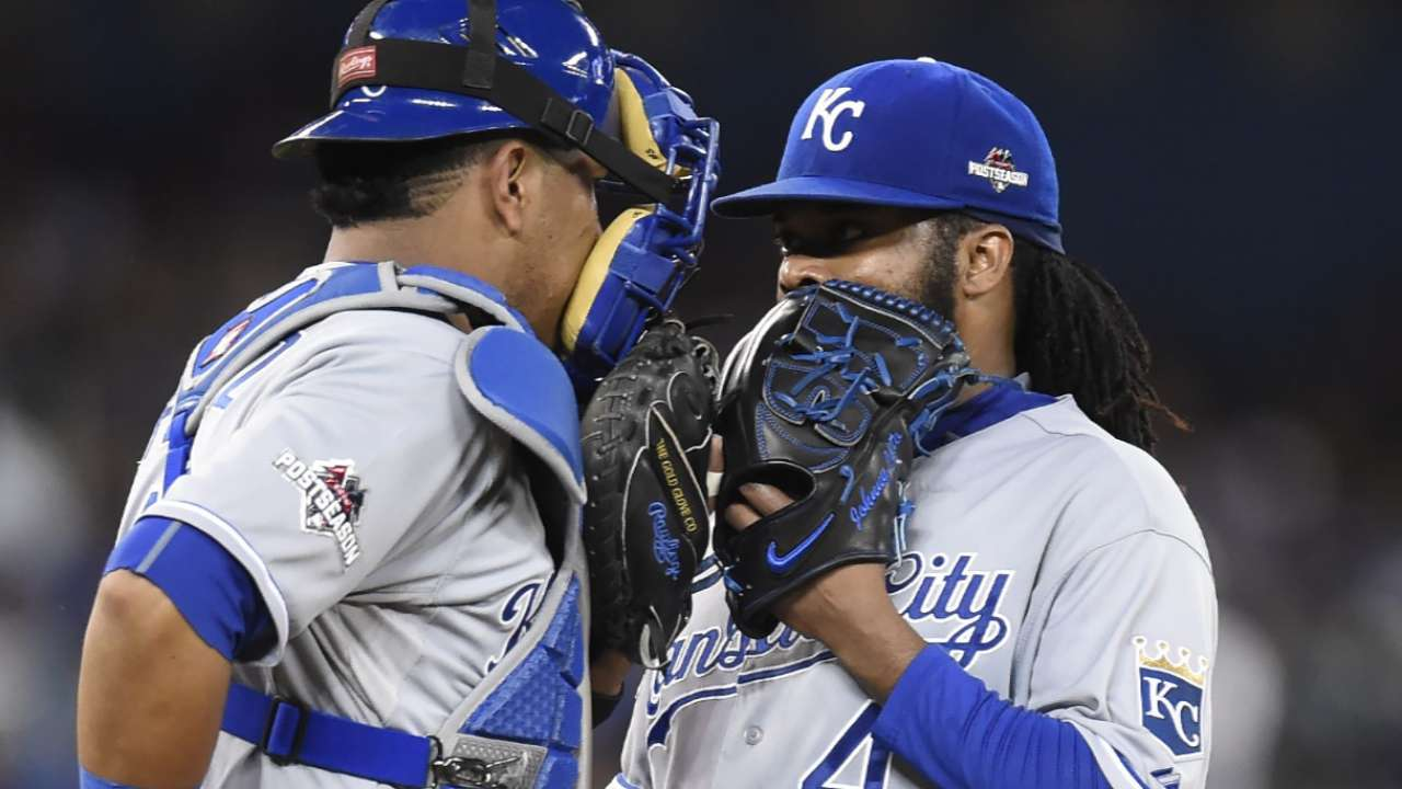 Volquez discusses Game 5 start, sign stealing