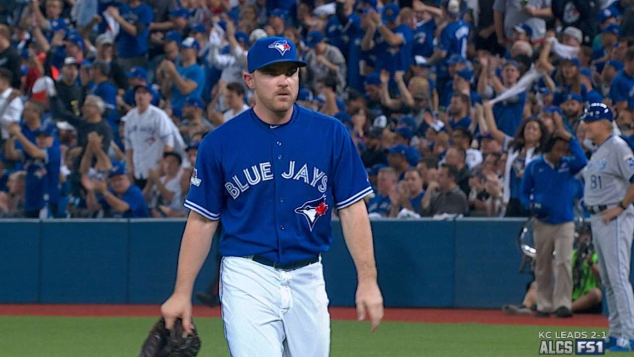 Hendriks a bright spot out of 'pen in Game 4