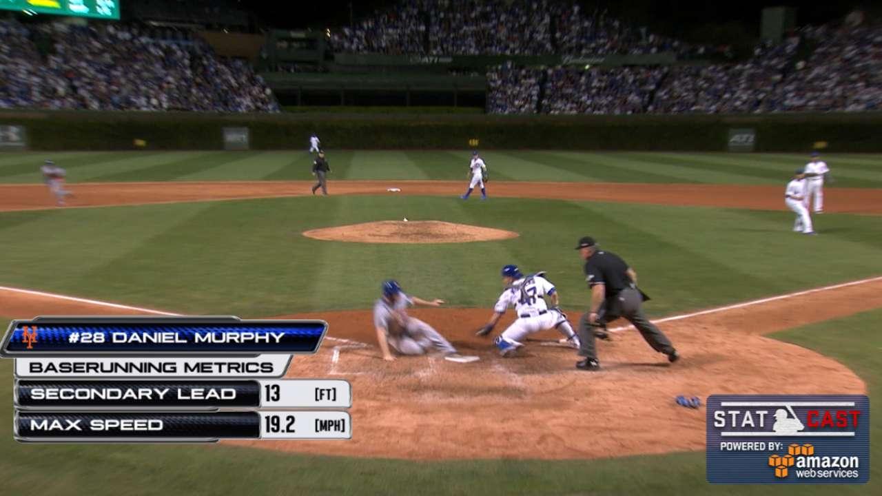 Statcast: Murphy rounds bases