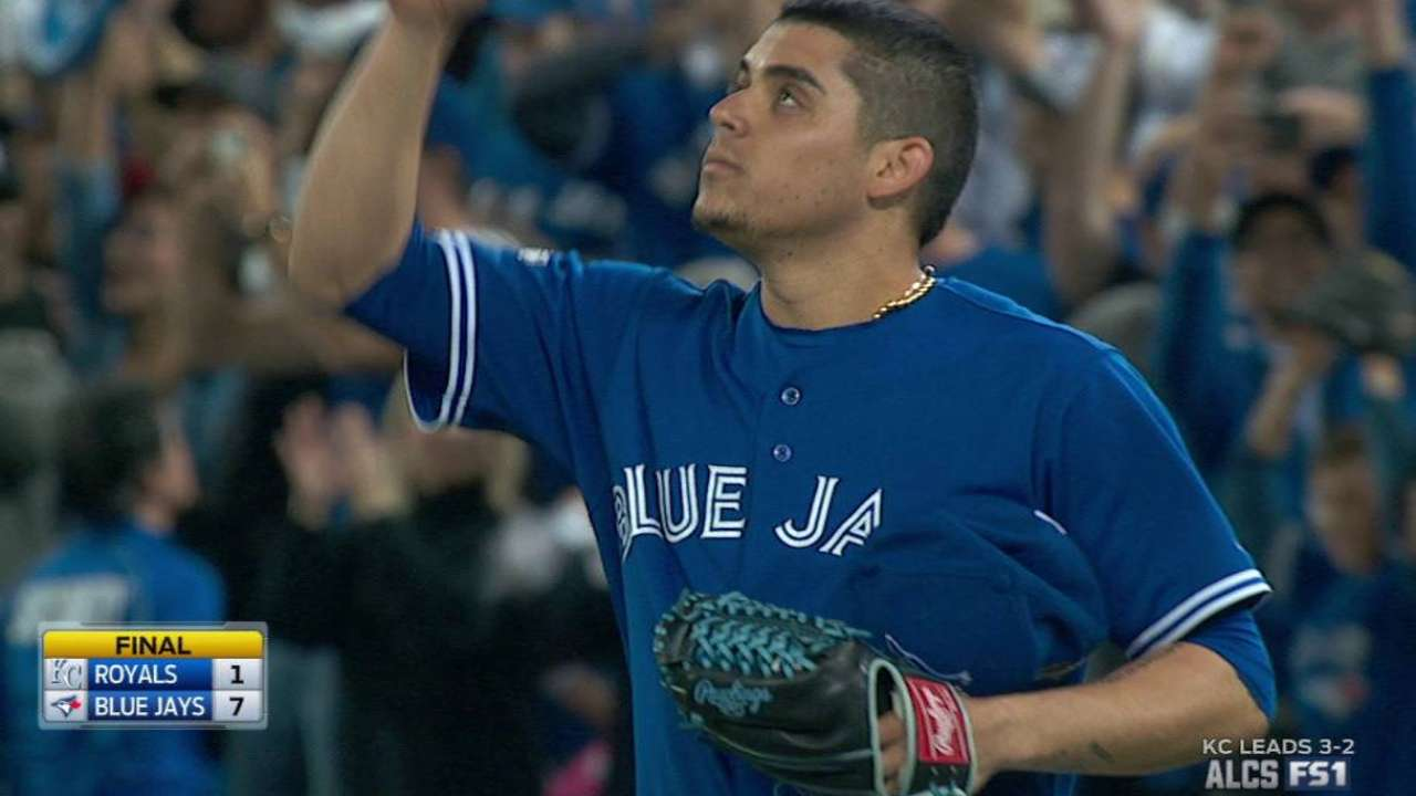 Osuna secures the win