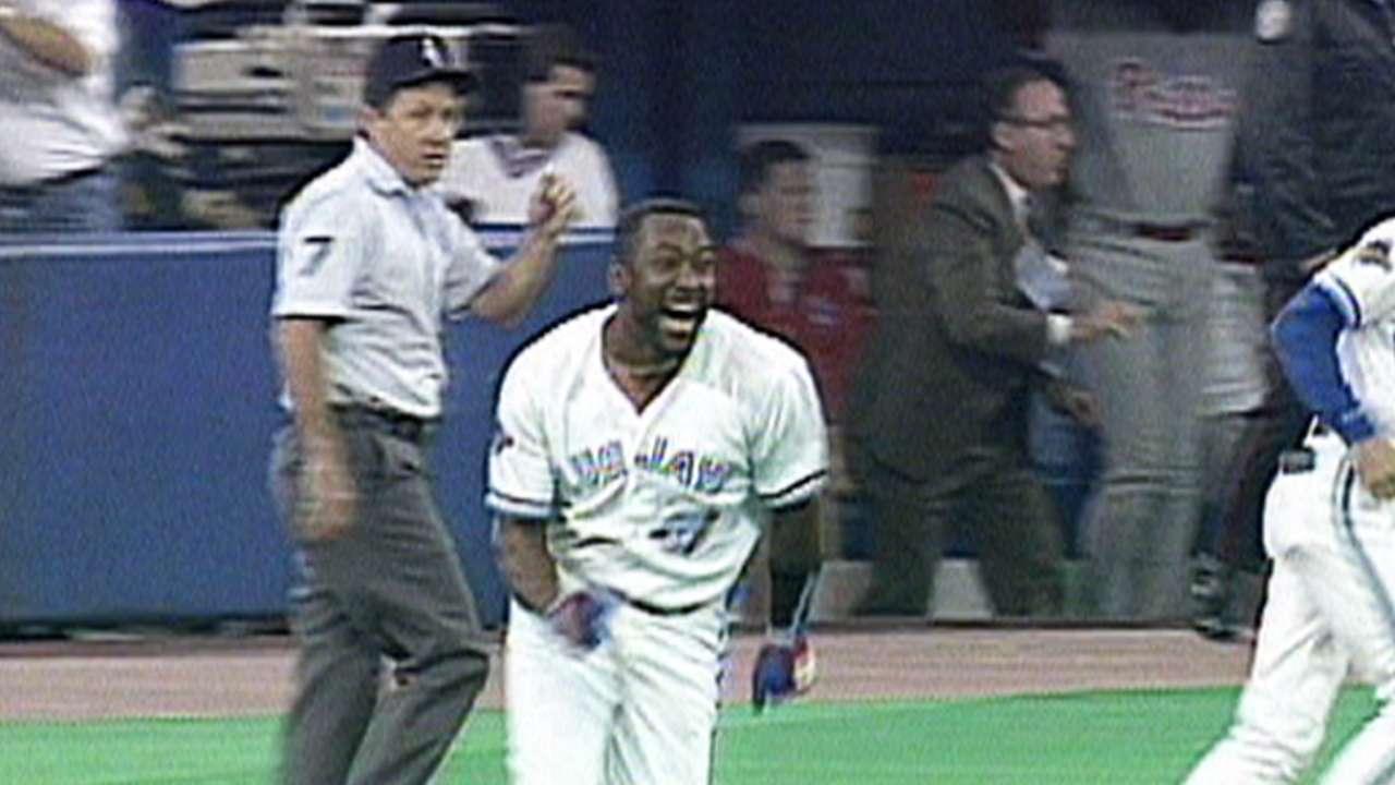 Joe Carter wins the '93 Series