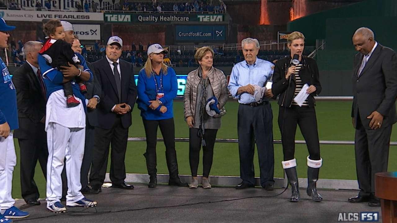 Royals receive AL trophy