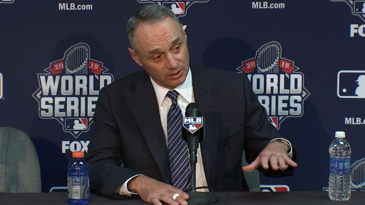 Manfred backs replay rulings on popup slides