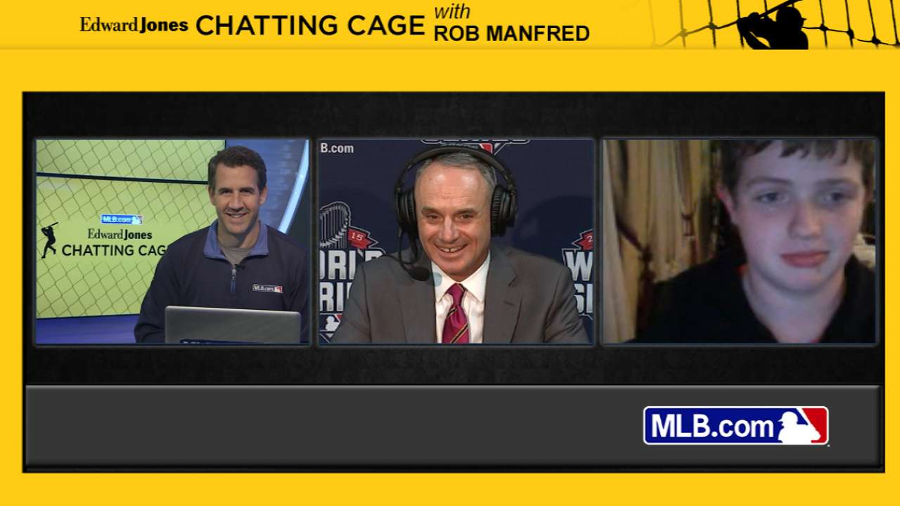 Manfred interacts with fans in Chatting Cage