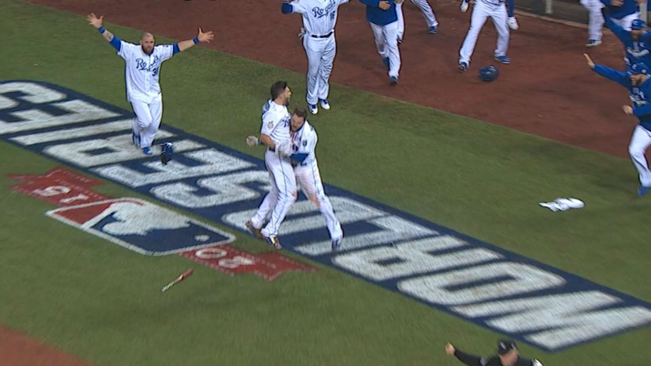 Hosmer gets redemption with walk-off RBI