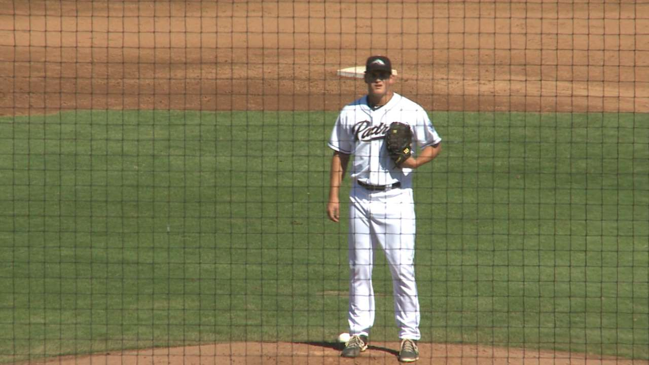 Urias hits safely in 6 straight Winter League games