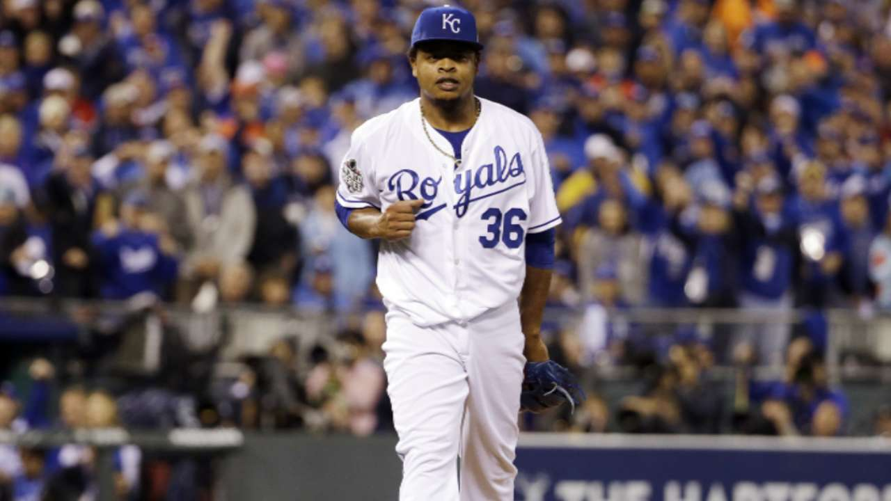 Volquez returns to DR after his father's death