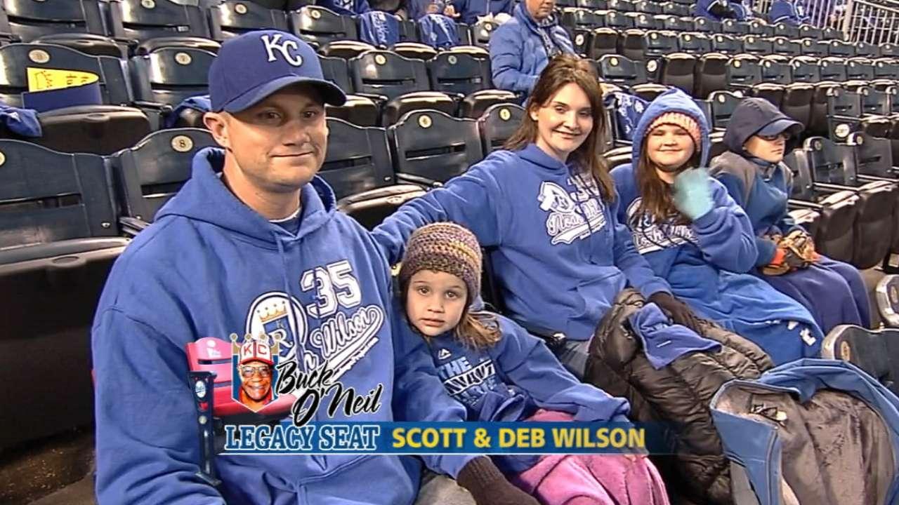 Royals honor parents of cancer victim