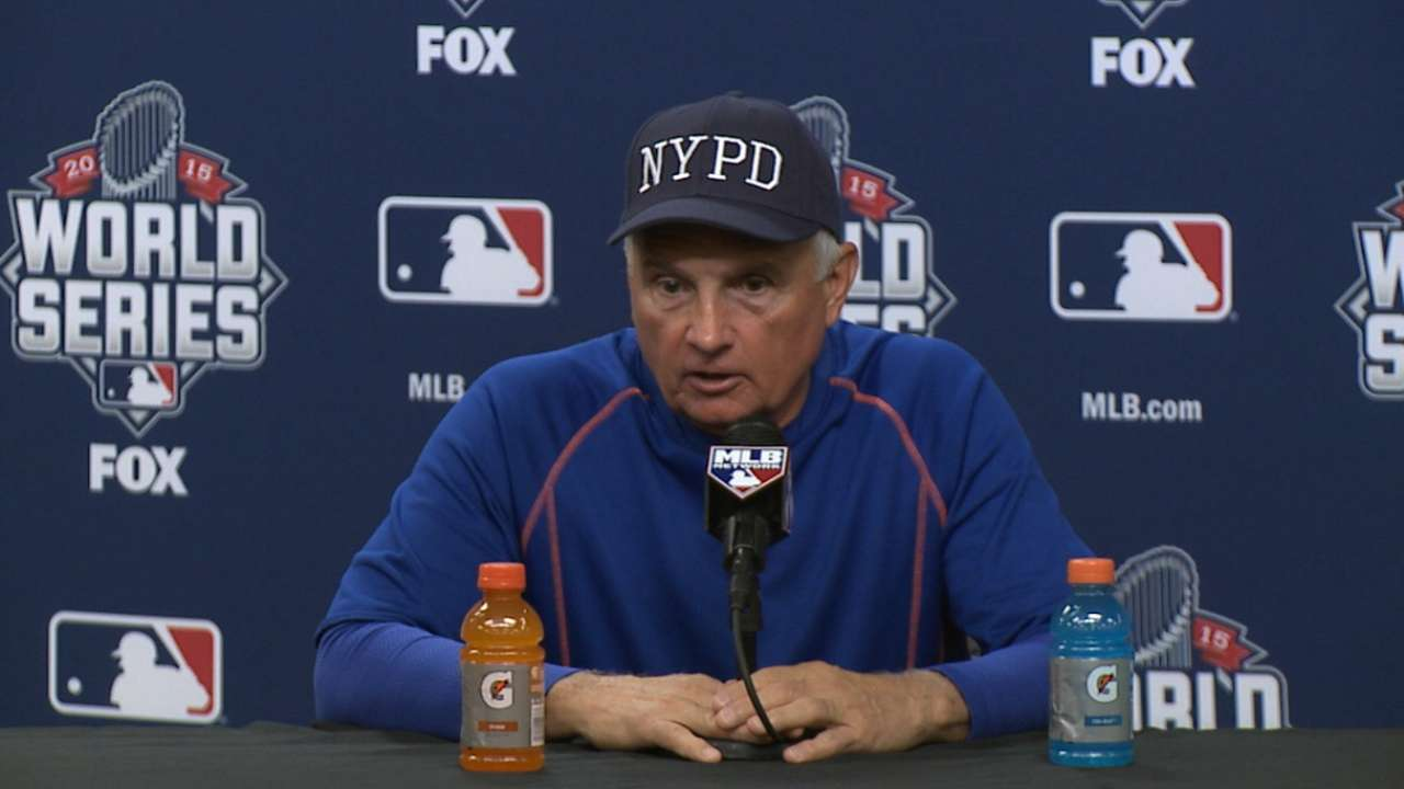 Mets honor fallen NYPD officer at workout