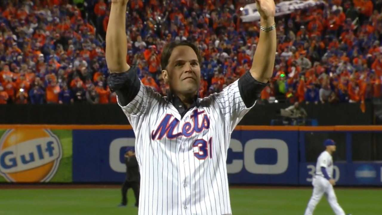 Mets legends Strawberry, Piazza at Game 3