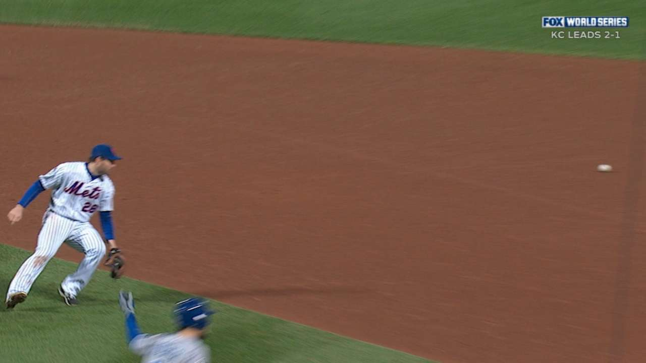 Royals tie game on error in 8th