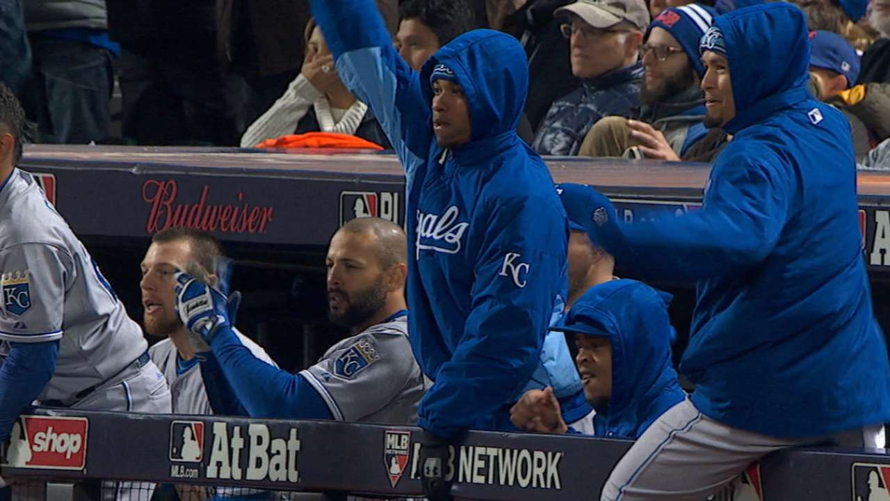 Must C: Royals' 8th-inning rally