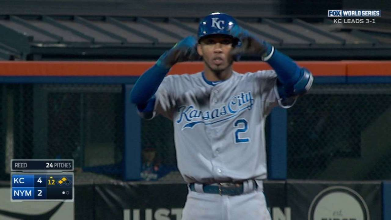 Alcides' 15-game hit streak most in 1 postseason