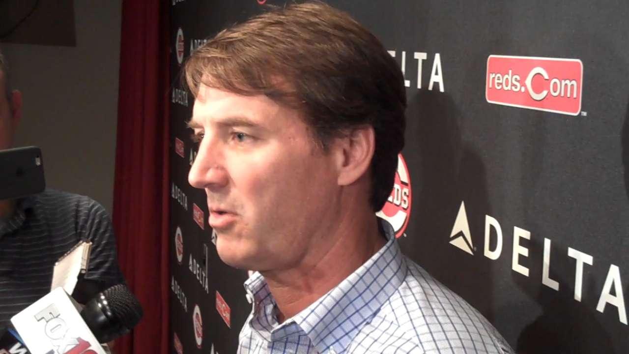 Williams succeeds Jocketty as Reds' GM