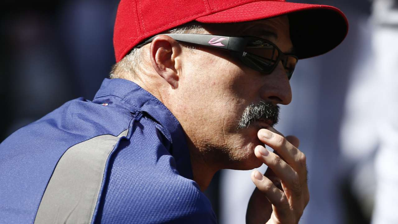 Nationals hire M. Maddux as pitching coach