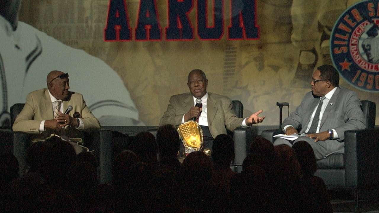 Aaron recalls Negro Leagues at gala in KC