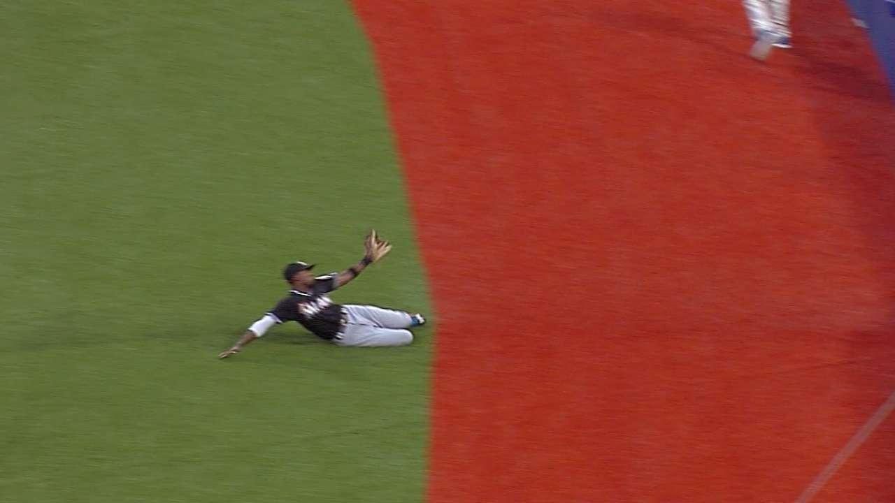 Second baseman Gordon wins Gold Glove