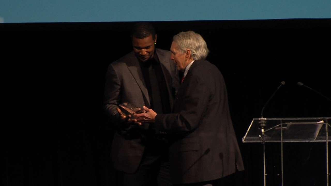 Jones on Brooks Robinson Award