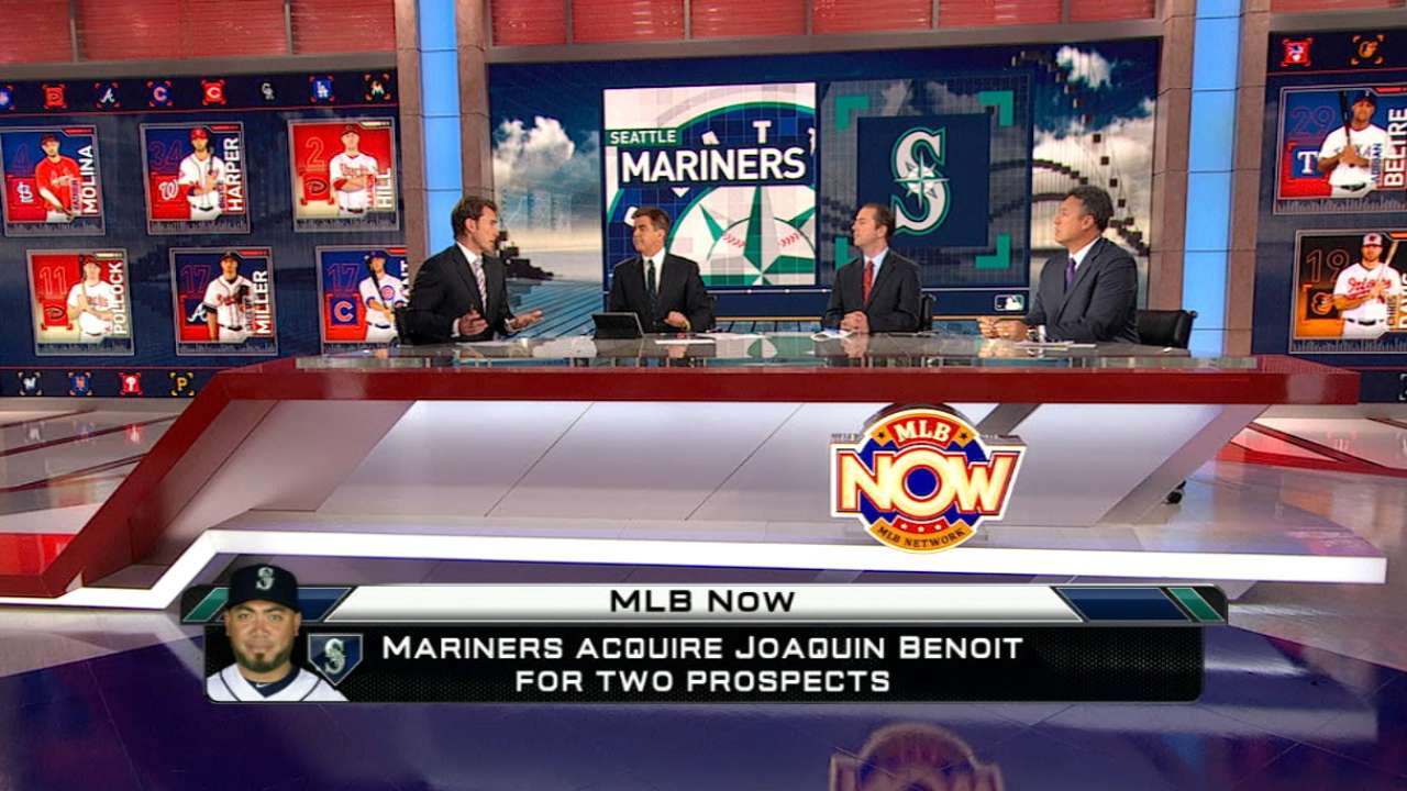 Padres get two Seattle prospects for Benoit