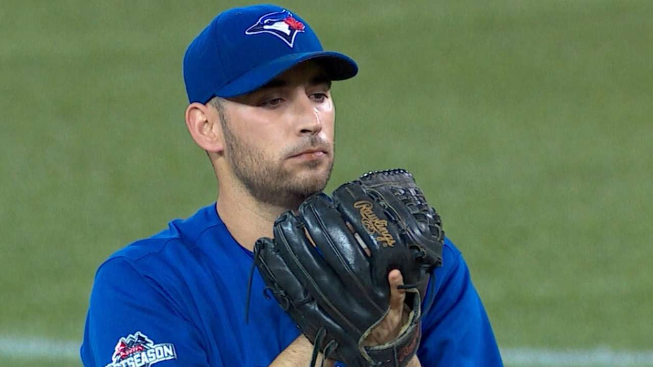 Estrada, Blue Jays agree to 2-year pact