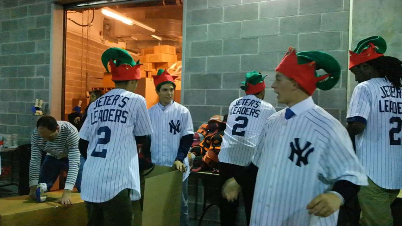 Jeter's charity holds gift-wrapping party