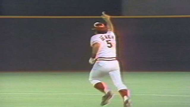 Birthday boy Johnny Bench once homered on Johnny Bench Night