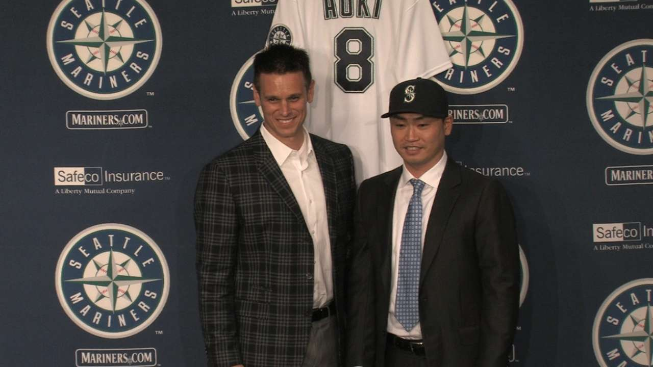 Mariners introduce Aoki
