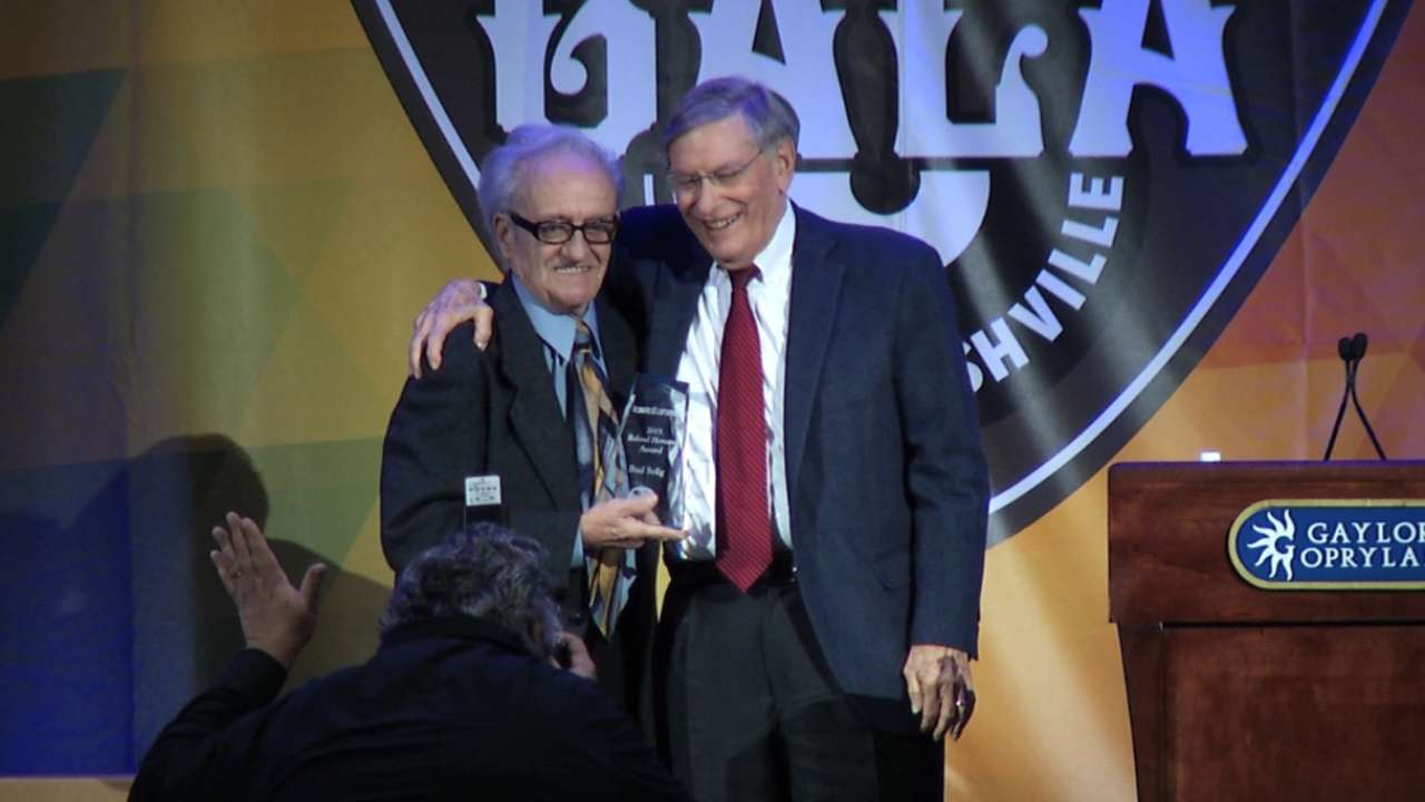 Selig honored with Roland Hemond Award