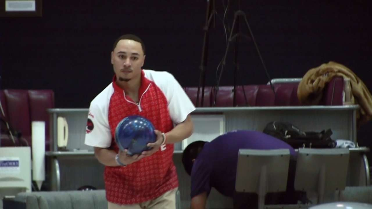 Betts bowls in tournament