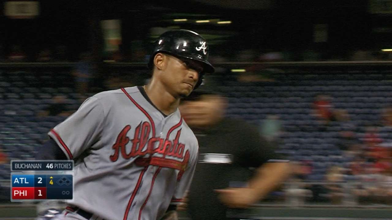 Padres trade 2 for Braves' Bethancourt