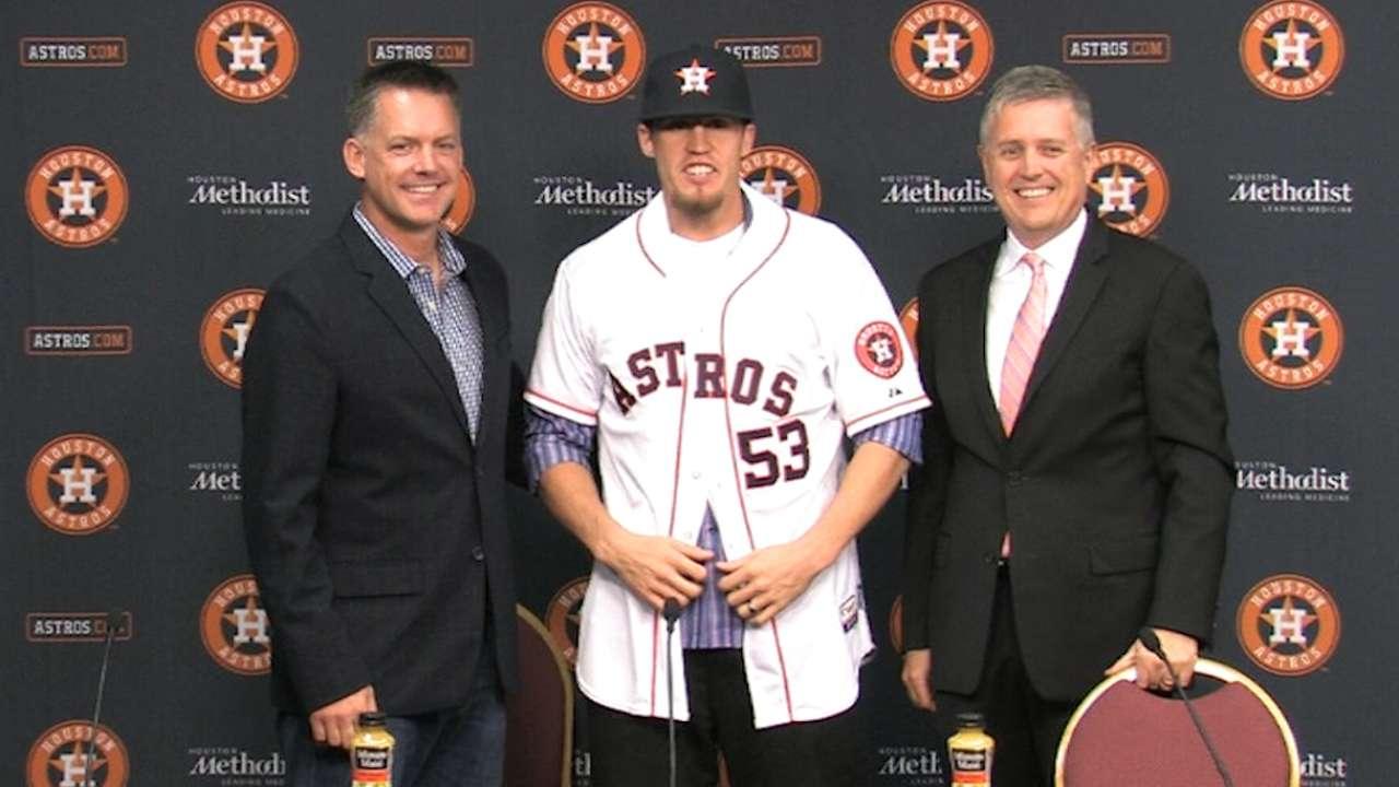 Astros introduce Giles