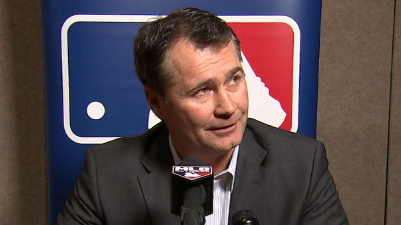 Servais on Mariners' roster