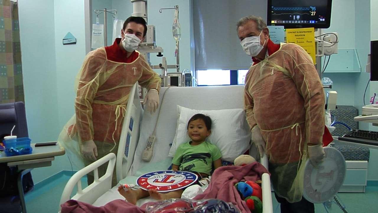 Rangers brighten kids' day at hospital visit