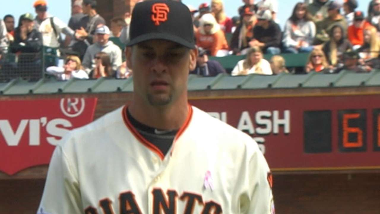 Vogelsong signs with the Pirates