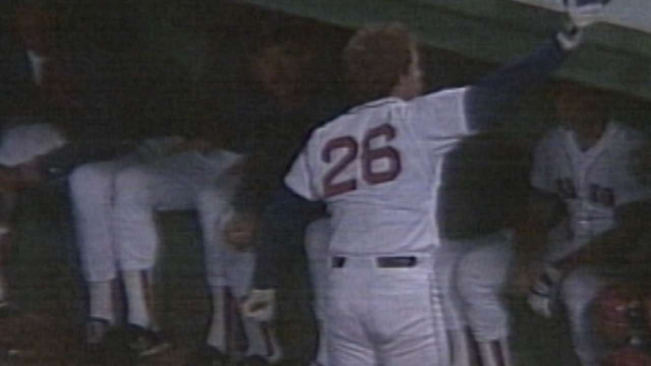 Red Sox to retire Hall of Famer Boggs' No. 26