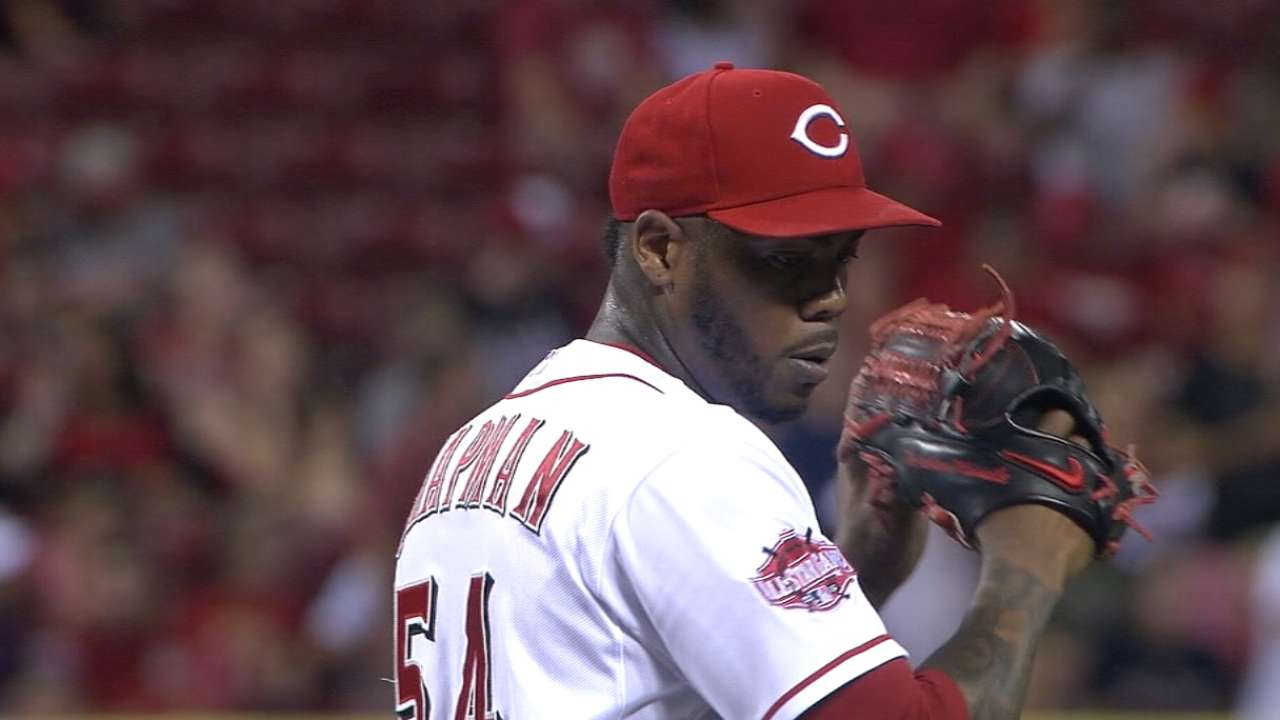 Reds deal Chapman to Yanks for 4 players