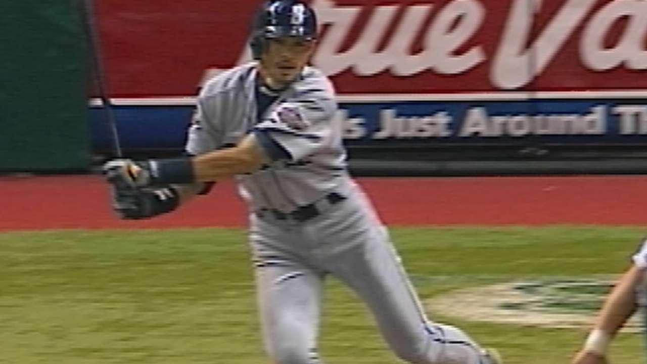 Ichiro's 200th hit of season