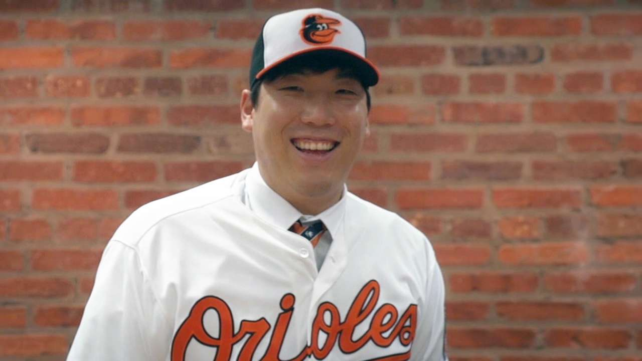 Orioles sign Korean outfielder Kim