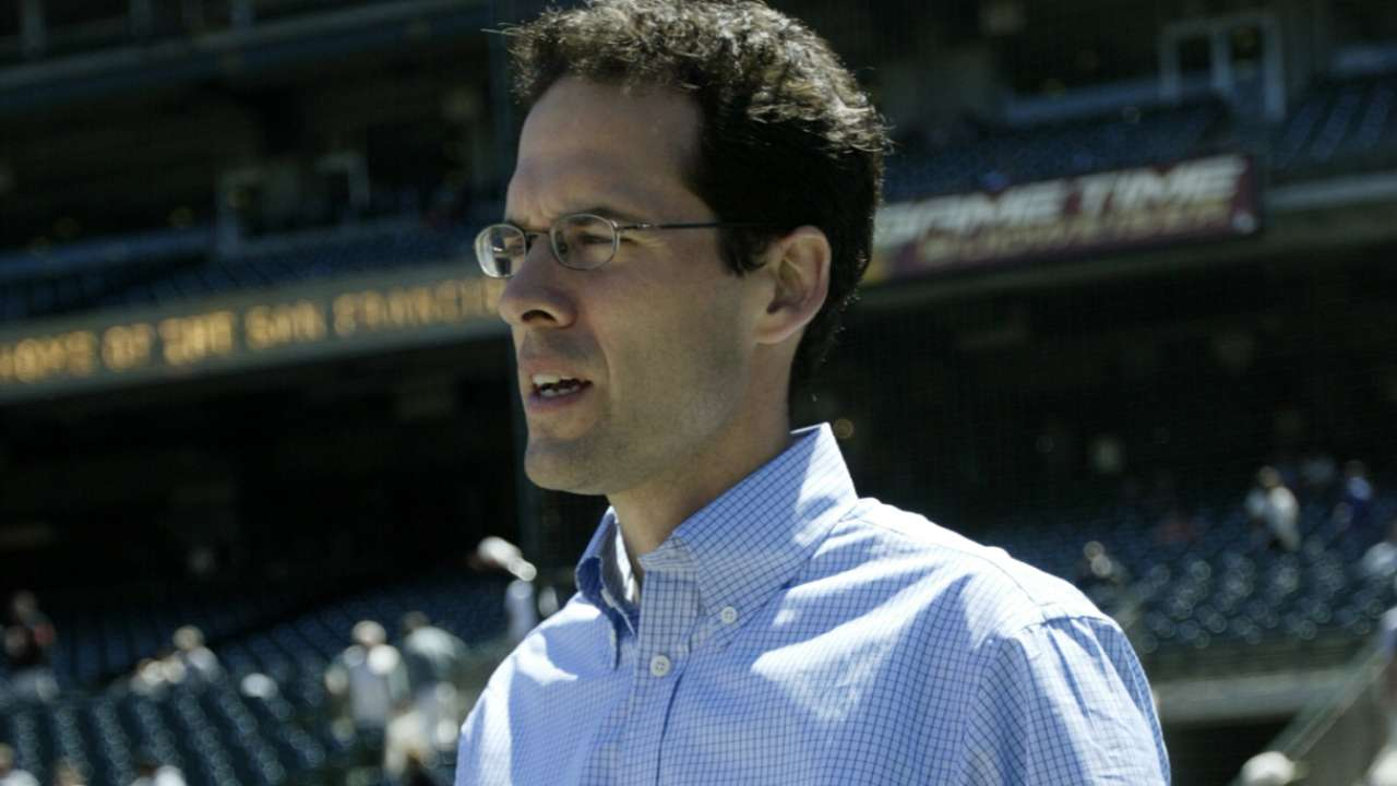 DePodesta leaves Mets for NFL's Browns