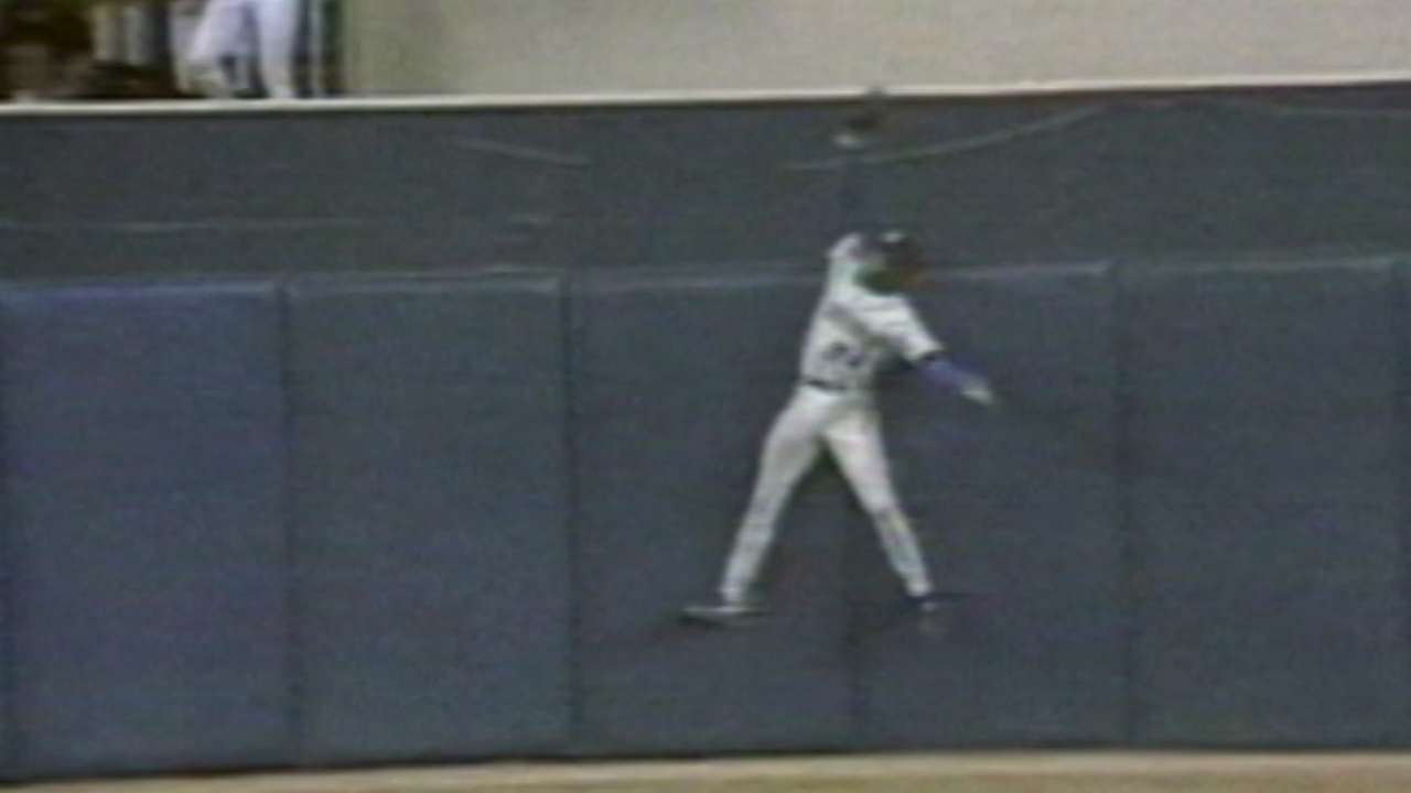 Griffey robs Barfield of a homer