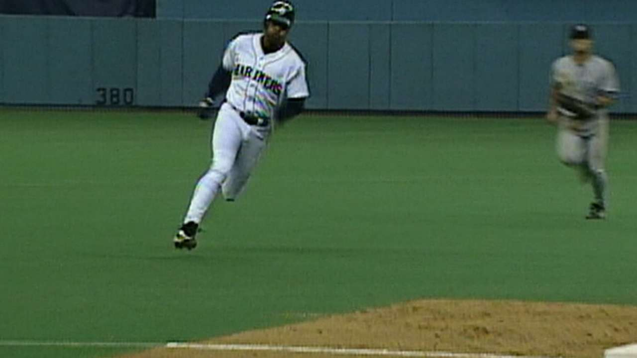 Griffey: 'Everything lined up' in '95 ALDS dash