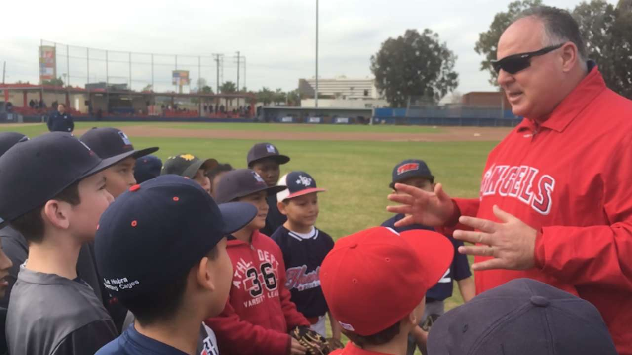 Scioscia honored to host youth clinic