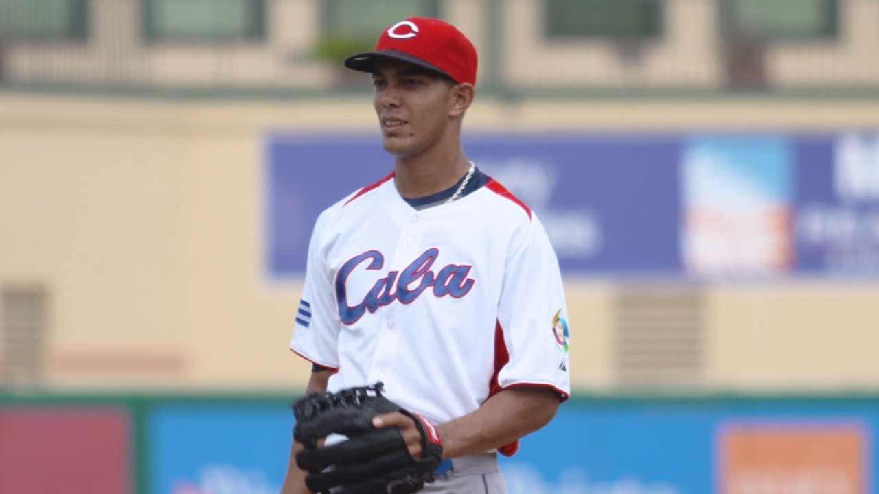 Dodgers, Cuban pitcher Sierra finalize 6-year deal