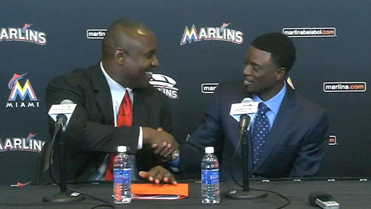 Marlins make 5-year deal with Dee official